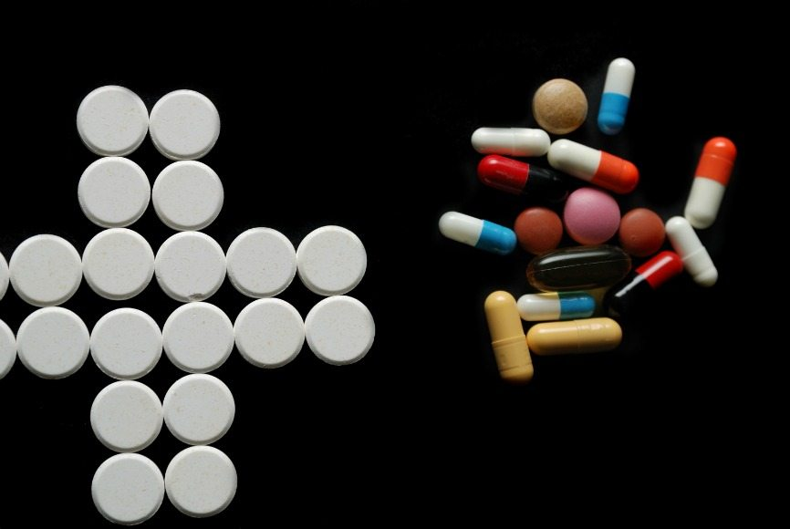 How Prescription Drugs are Destroying your Teen